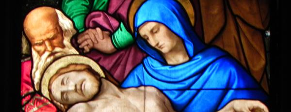 Heilig: Buntglasfenster des Kölner Doms