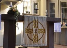 Altar der evangelischen Kirche in Messel