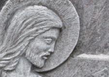 Jesus Bild auf einem Grabstein | Foto: Martin Krauß